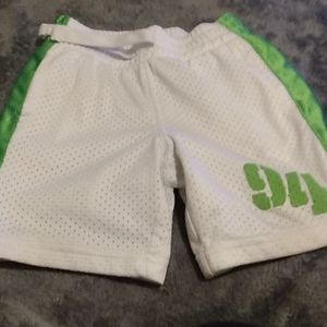 2t old Navy shorts
